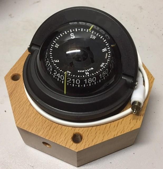 Compass KSHMN-90 with binnacle and scale illumination