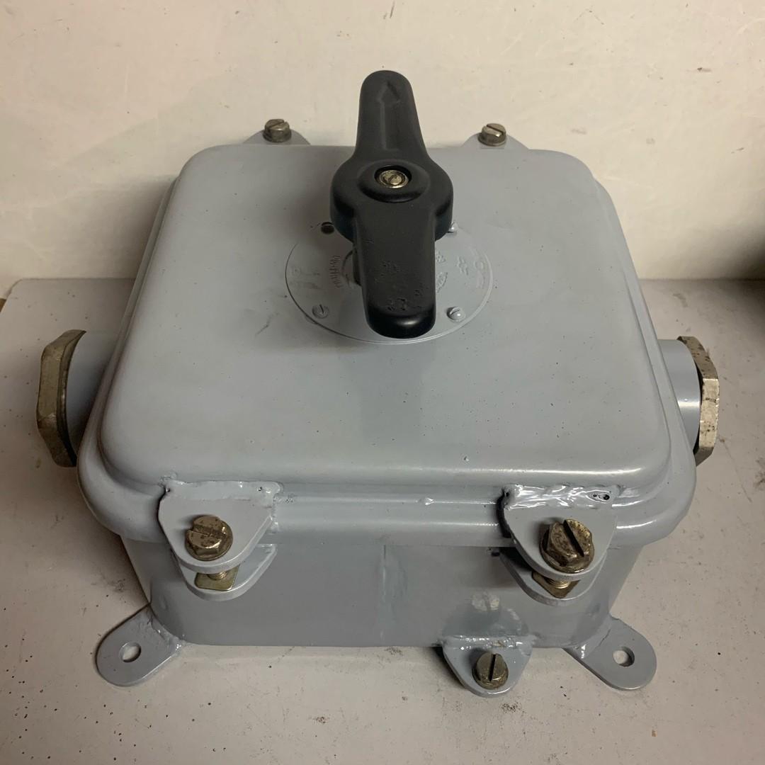 Герметичный пакетный выключатель ГПВ3-100