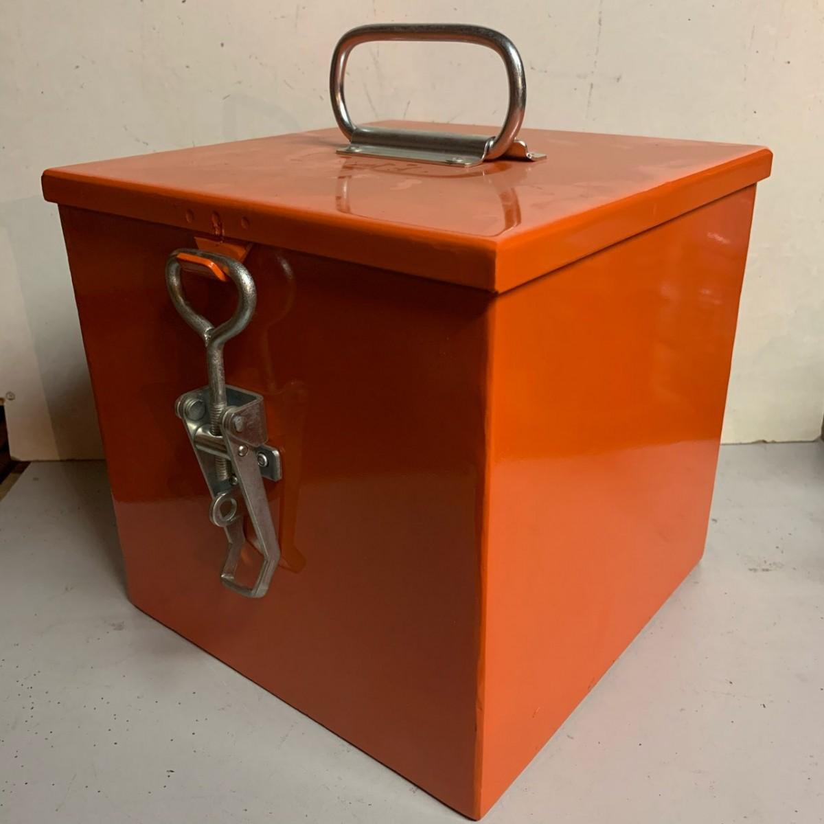 Pyrotechnics storage box
