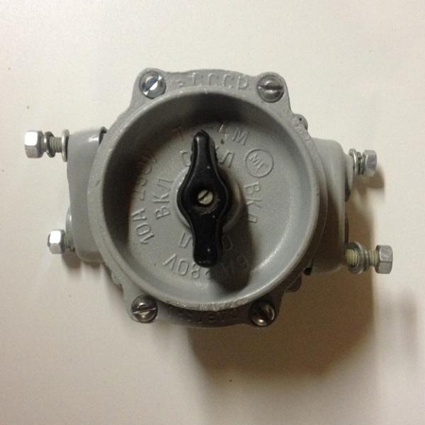 Выключатель Т5-4М